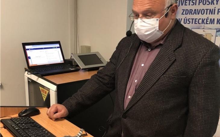 Ústí nad Labem: Krajská zdravotní v době vládních opatření vzdělává studenty za využití interaktivní technologie