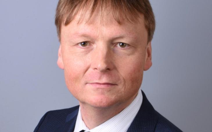 VÝBĚR:     Aktuálně.cz: Rozhovor s ředitelem VFN Davidem Feltlem