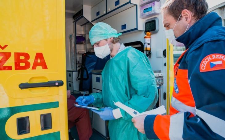 Kroměřížská nemocnice: Nemocnice jsou za naši pomoc vděčné, říká student Martin Navrátil, který nabídl své služby