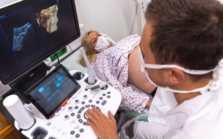 V Kroměřížské nemocnici mohou nastávající rodičky získat snímky a videa ještě nenarozených potomků