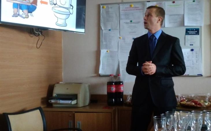 FN Ostrava: Na Lékařské fakultě Ostravské univerzity proběhla první úspěšná obhajoba doktorské práce. Šlo o lékaře z naší Chirurgické kliniky