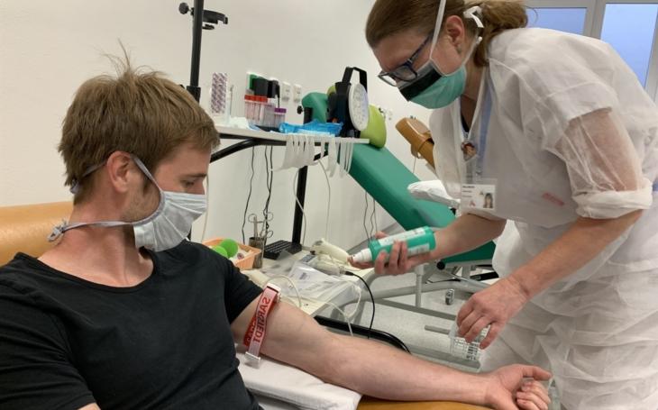 Světový den dárců krve ve FNUSA podpoří kampaň dobrovolníků i hokejový fanklub