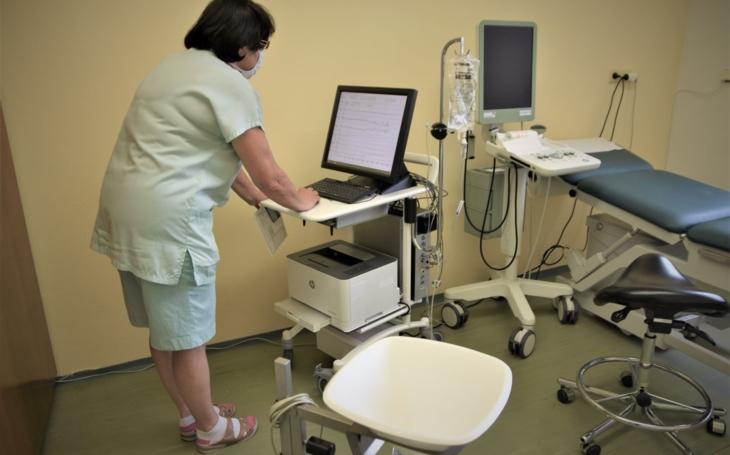 Kroměřížská nemocnice: Samba pomáhá při léčbě inkontinence, zvládne až 900 vyšetření ročně