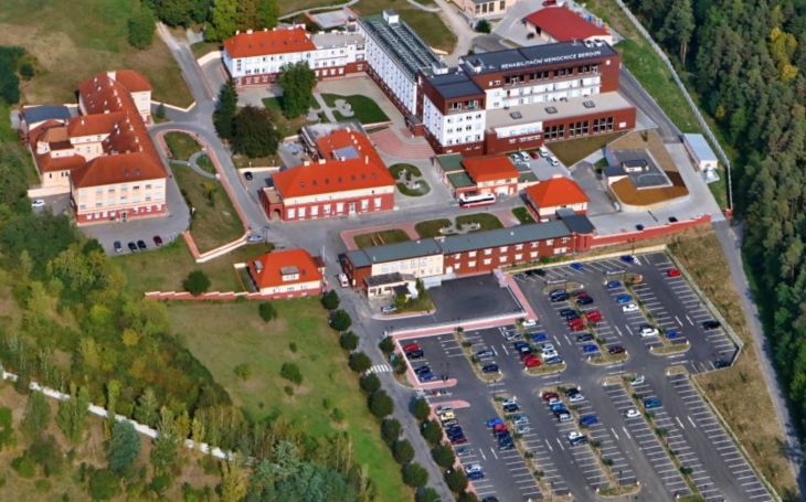 Rehabilitační nemocnice Beroun: Změna umístění parkovacího automatu