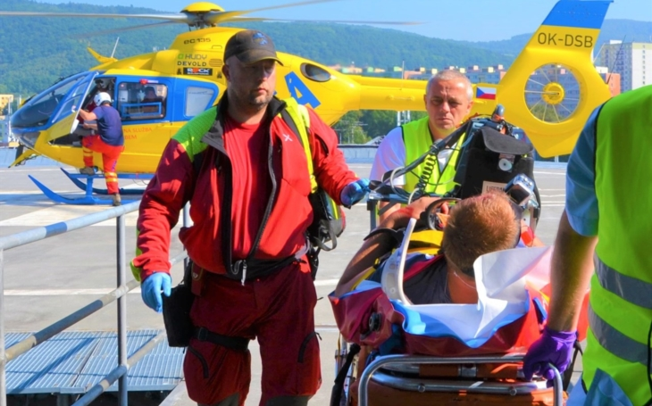 Heliport v ústecké nemocnici Krajské zdravotní slouží patnáct let, ročně přijme od leteckých záchranářů desítky pacientů