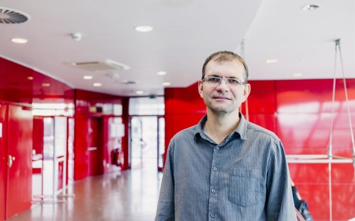 FN USA Brno: Umělá inteligence pomáhá v boji proti nemoci COVID-19