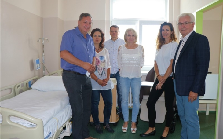 Ústí nad Labem:  Krajská zdravotní má na ústecké onkologii nový rodinný pokoj paliativní péče