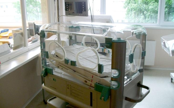 Nemocnice Prachatice zakoupila moderní novorozenecký inkubátor SHELLY