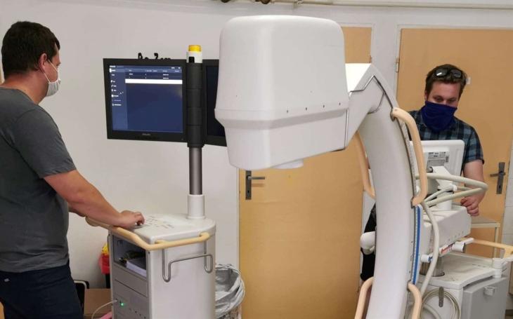 Vsetínská nemocnice: Na operačních sálech slouží nové C-rameno za pět milionů korun