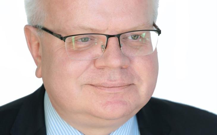 MUDr. Pavel Dlouhý:  ZDALEKA NENÍ VYHRÁNO. VIRUS TU STÁLE JE A S NEBEZPEČÍM MUSÍME POČÍTAT