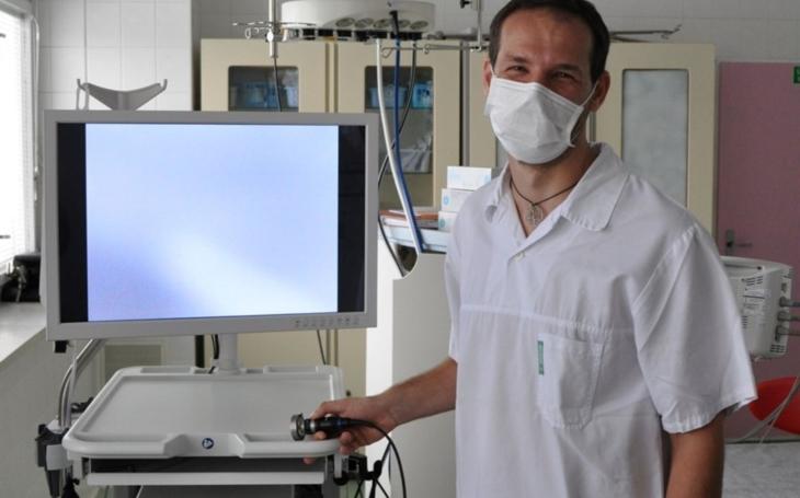 Vsetínská nemocnice: Nový hysteroskop zpřesní diagnostiku a zkrátí pobyt pacientek