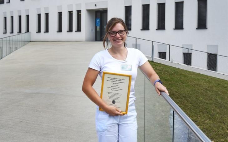 FN Olomouc: Medička vyhrála v tombole týdenní stáž. Byla to skvělá zkušenost, děkuji za ni, pochvaluje si Anna Holečková