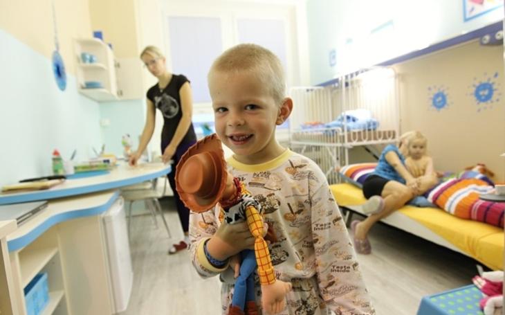 Nemocnice Jihlava: Pod stromeček chceme pacientům opět nadělit Vánoční pokoj