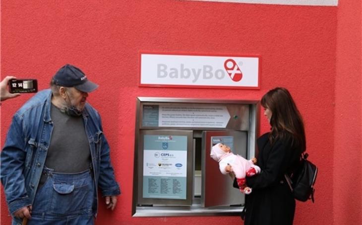 Ústecký kraj: V mostecké nemocnici Krajské zdravotní slavnostně zahájili provoz babyboxu nové generace