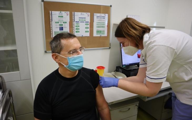 Pardubická nemocnice: Očkovací centrum zahájilo první fázi