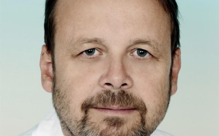 Prof. Vladimír Šrámek, FNUSA Brno: Zdravotníci pracují vzorně, jen humoru ubývá…