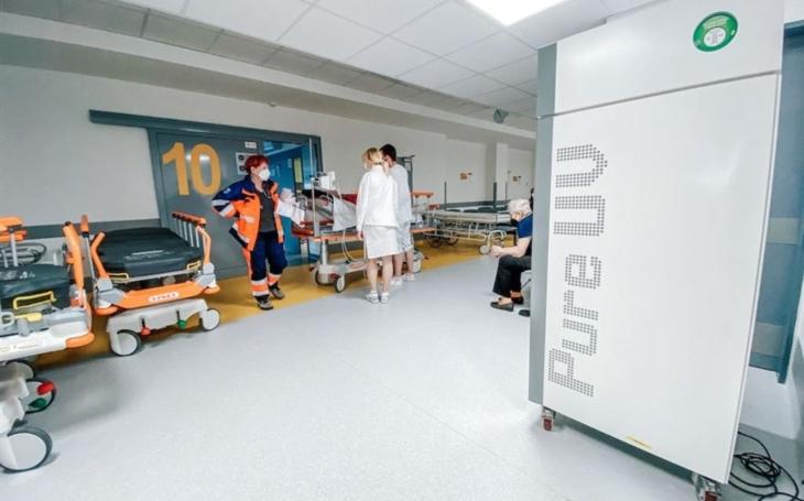 KNTB Zlín: Krajská nemocnice pořídila špičkové desinfikátory, které zneškodňují mikroorganismy ze vzduchu i povrchů