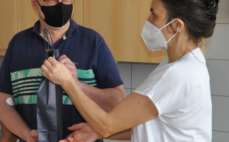 Vsetínská nemocnice: Přivítali jubilejního dárce a vyzývají další zájemce