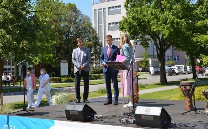 UHN: Regionální umělci poděkovali zdravotníkům