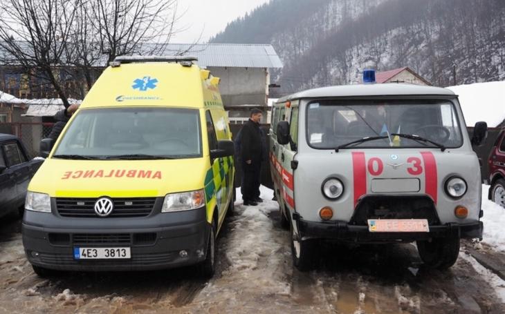 Pardubický kraj: Starší auta ze záchranky využijí k prospěšným účelům i na Zakarpatské Ukrajině