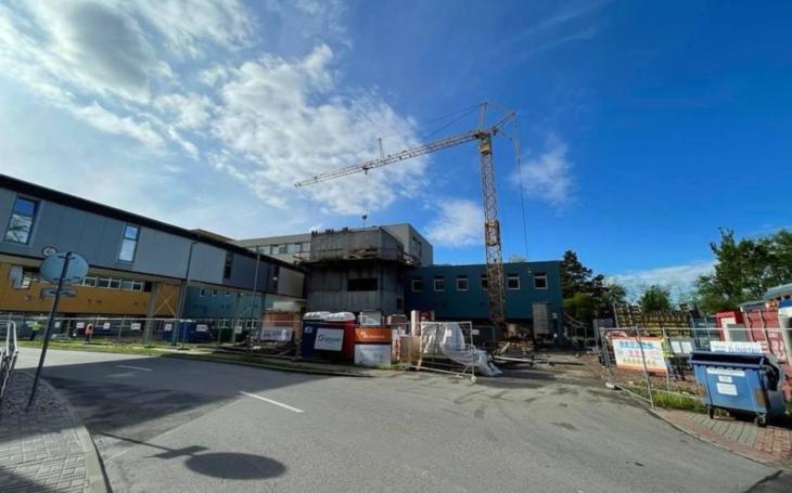 Uherskohradišťská nemocnice: Rekonstrukce plicního pavilonu v plném proudu