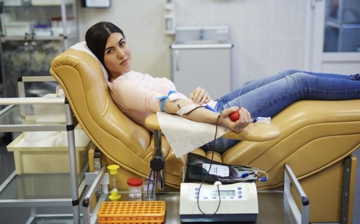 KNTB Zlín: Každý dárce krve dostane v srpnu ve zlínské nemocnici hned po odběru doplněk stravy od VITARu