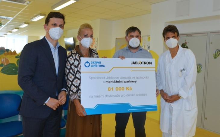 Uherskohradišťská nemocnice: Kapka naděje předala dětskému oddělení vybavení za téměř jeden milion korun