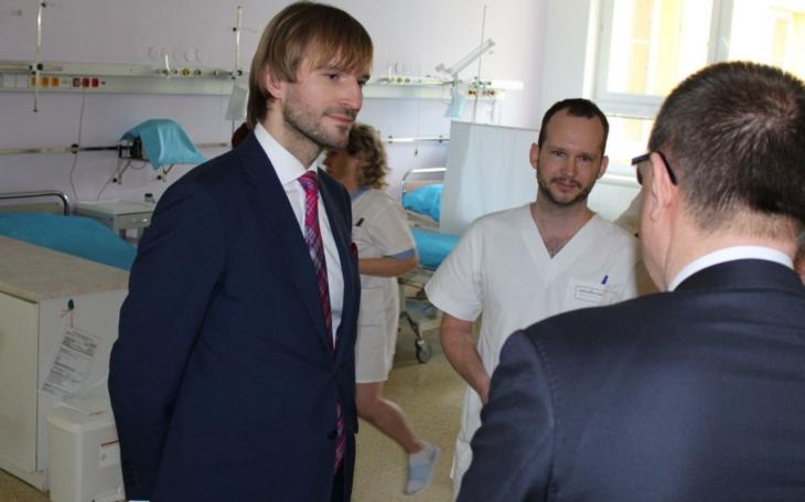 Písek: Nemocnice musejí spolupracovat sterénními lékaři, shodli se ministr a ředitel nemocnice