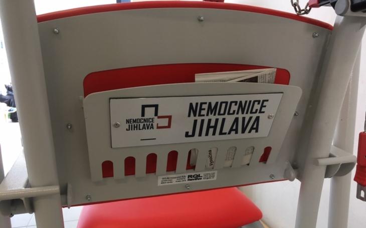 Nemocnice Jihlava: Pro pacienty jsou připraveny vozíky na mince jako v supermarketu
