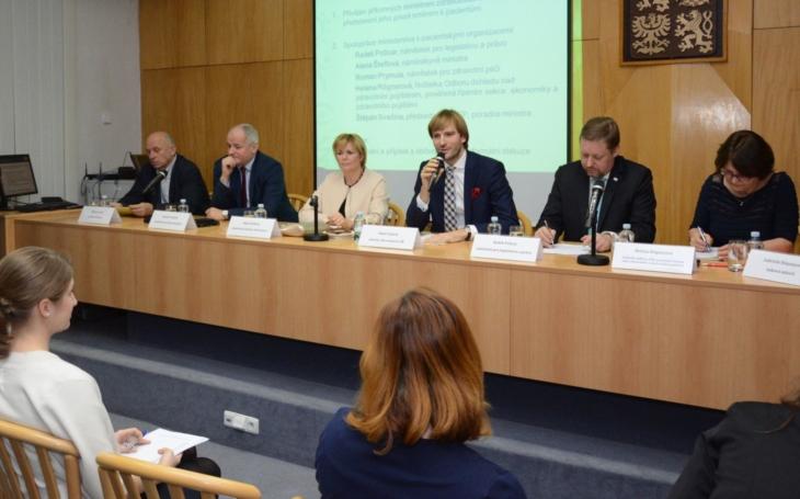 Ministr zdravotnictví Adam Vojtěch se setkal spacientskými organizacemi