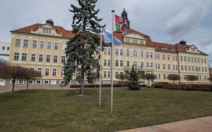Nemocnice České Budějovice slavnostně otevřela nové Psychiatrické oddělení vhistorické budově horního areálu